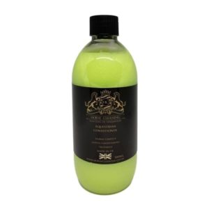 Horse Cleaning Equestrian Conditioner